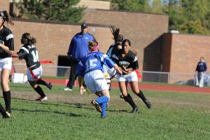 Juniors beat seniors in powderpuff