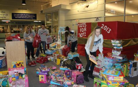 Wrapping up Toys for Tots