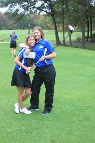 Women's varsity golf ends their season strong