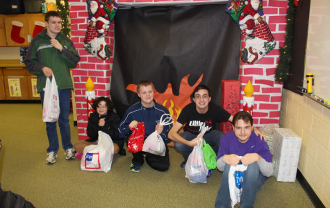 Future educators Christmas shop with LCCE students