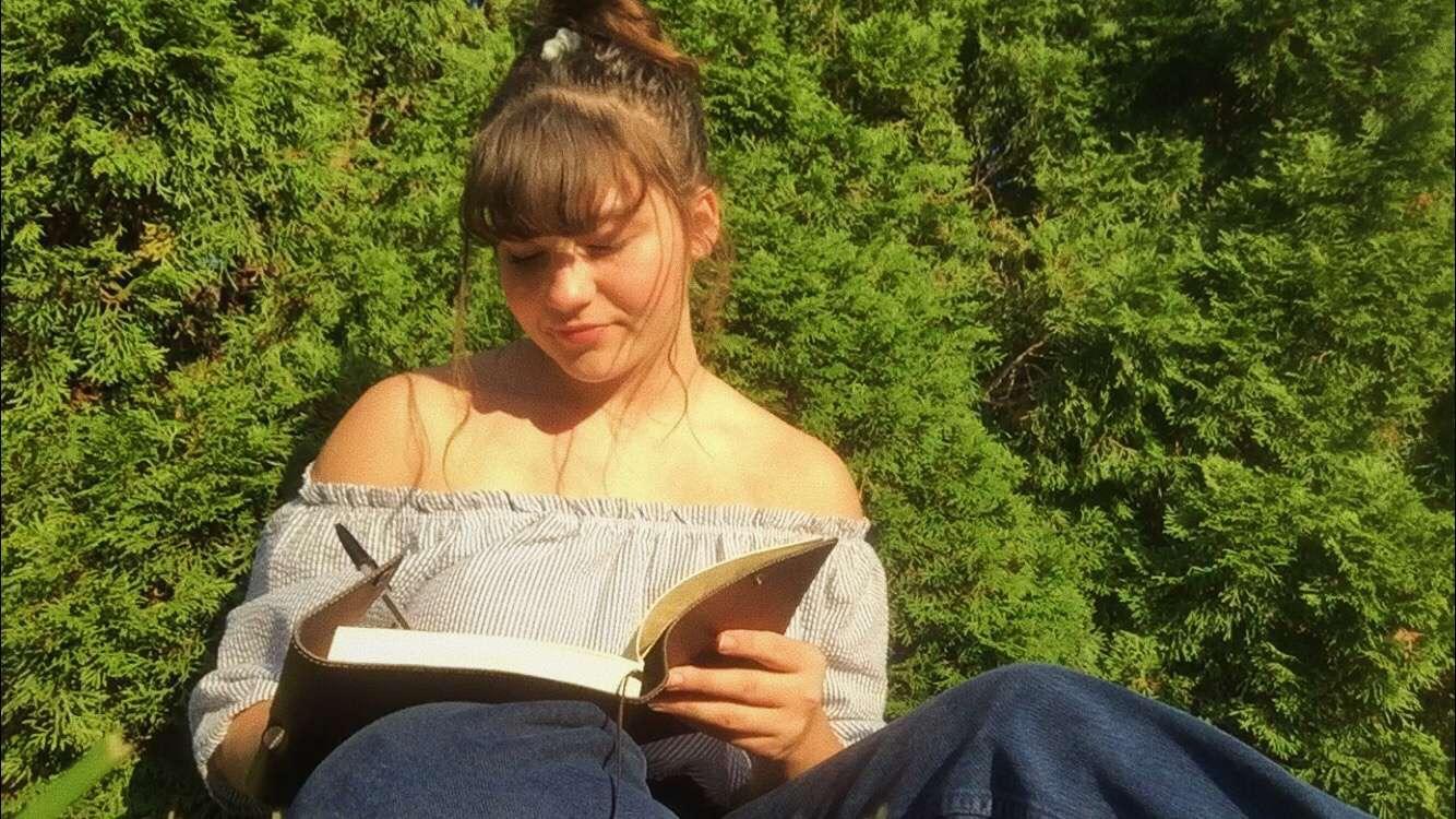 junior Jordyn Holfield writing in her free time.